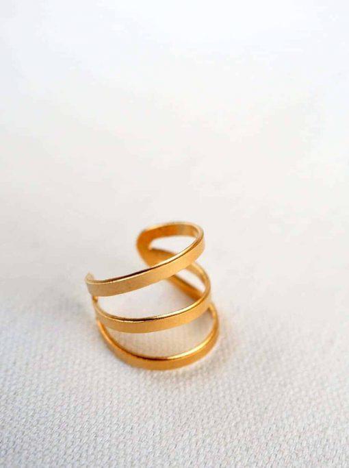 טבעת 3 פסים מודרנית מוזהבת