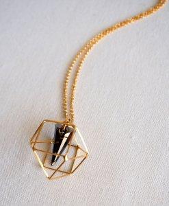 שרשרת מולקולה ופירמידה אפור זהב