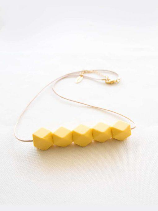 A yellowish country chain