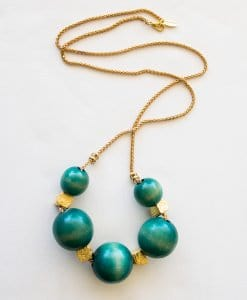 Green touch wood necklace