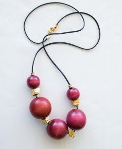 Red touch wood necklace